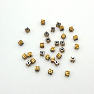EMATITE GALVANIZZATA CUBO RIGATO GOLD 3 - 30 pezzi